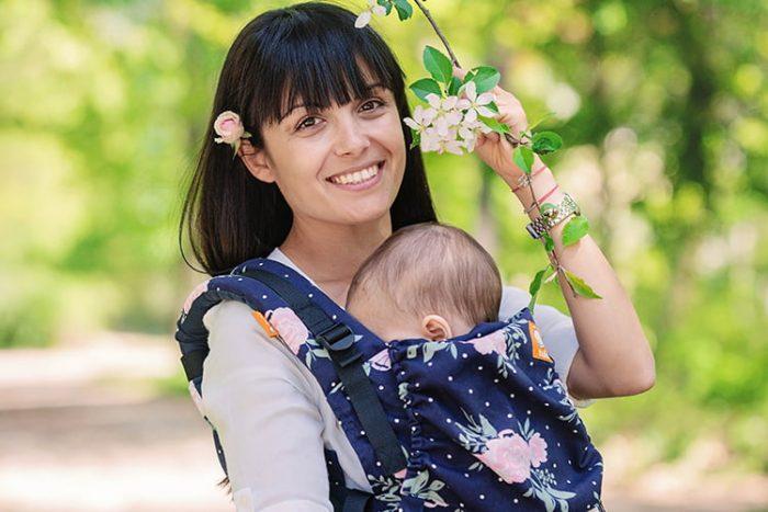 майка с бебето си